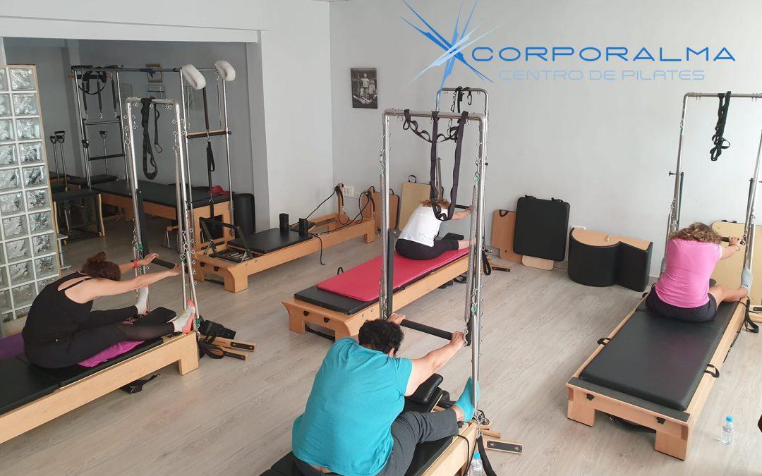 Estiramiento de espalda con Pilates